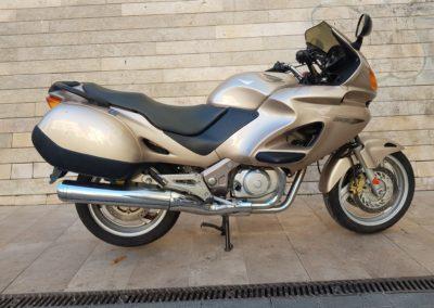 Honda Deauville 650